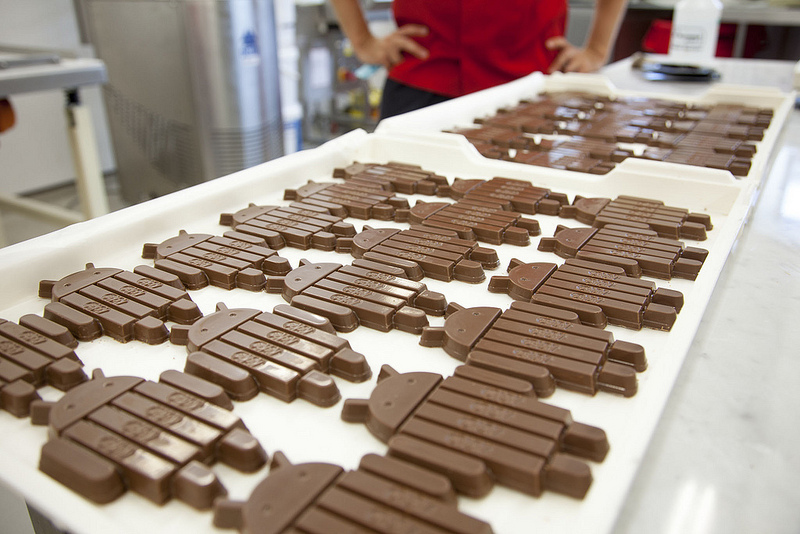 Photo: Android robot-shaped KitKat bars
