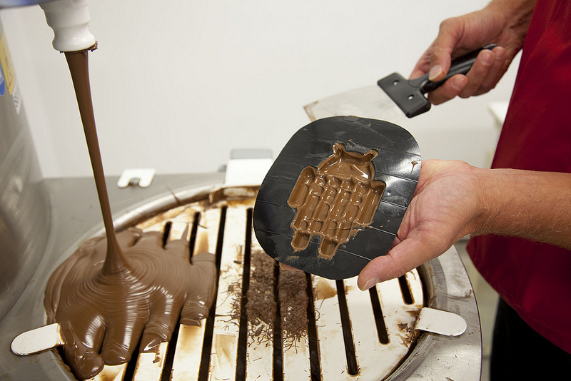 Photo: Android robot-shaped KitKat mould