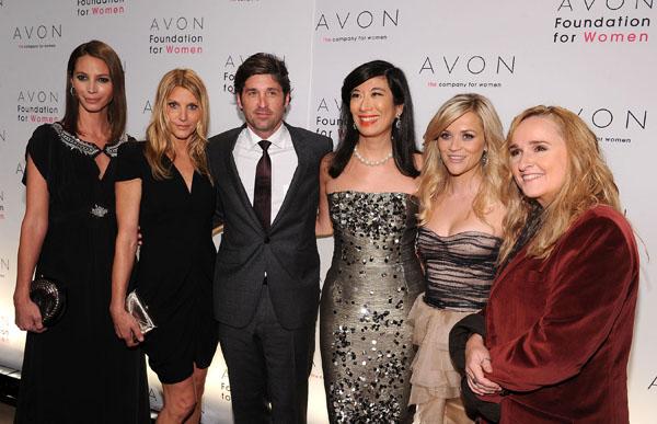 10-я ежегодная церемония награждения, организованная Avon Foundation for...
