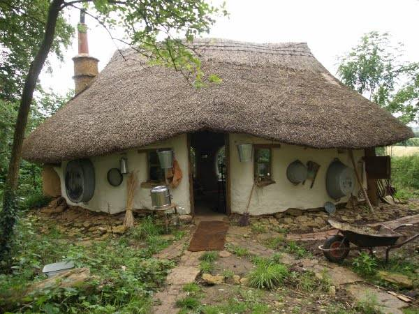 michael-buck-cob-house-3.jpeg.662x0_q70_crop-scale